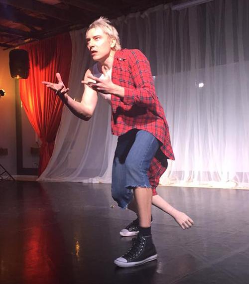 Scotch Wichmann, performance art at the Ventura 5x5x5 show